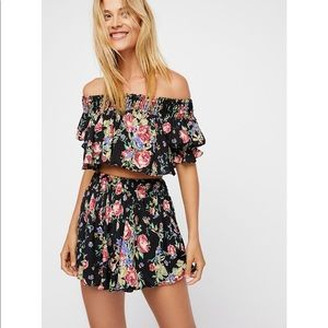 Free People Flower Bomb set